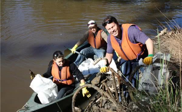 Clean Up Australia Day by the Yarra