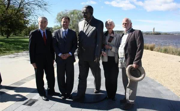 Sir Robert Menzies Sculpture Unveiled