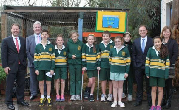 Josh and Greg Hunt visit Chatham Primary School