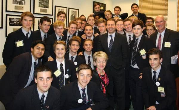 Josh meets Melbourne Grammar School students at Parliament House