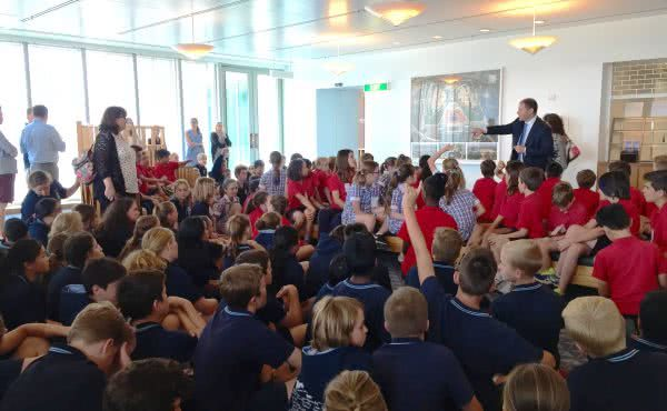 Camberwell Primary School and Hartwell Primary School visit Parliament House