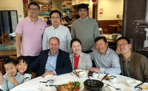 Catching up for a meal with members of the Australian Chinese community at Nihao Kitchen